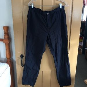 Women's navy blue cargo pants.